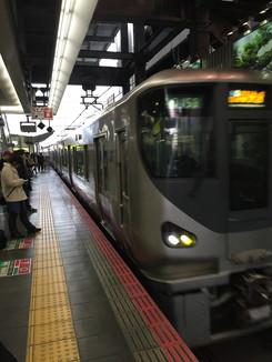 大阪駅に入線してくる紀州路快速