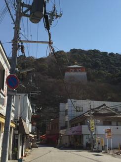 参道より紀三井寺を望む 新仏殿が見える