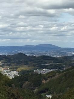 壺坂寺バス停付近より飛鳥方面を望む