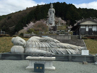 天竺渡来釈迦如来大涅槃石像