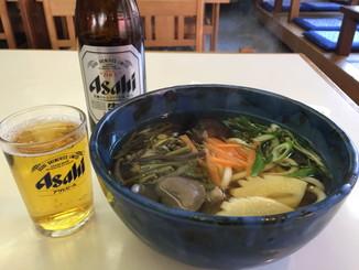 山菜うどんとビール