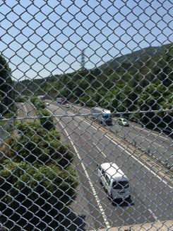 京滋バイパスの上を越える箇所あります