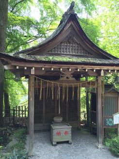 護法龍王拝殿