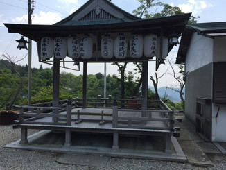 奥宮神社舞台