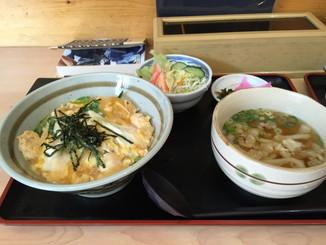 「麺せい」の親子丼と小うどん