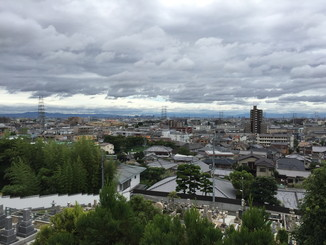大阪方面を望む