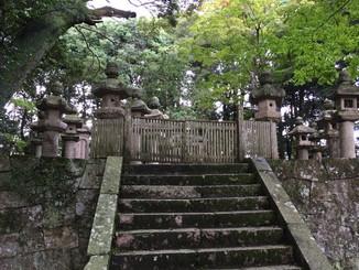 姫路城主・榊原家の墓所